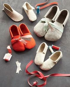 DIY Sewn Felt Slippers - how cute!