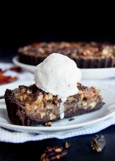 chocolate-pecan-pie-slice-with-vanilla-ice-cream-yinandyolk-com