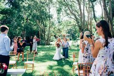 Real Wedding at Babalou Kingscliff featured on Casuarina Weddings blog! #bride #outdoorwedding