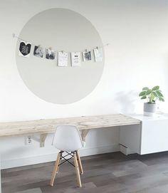 Met dank aan inspiratie van @bijsuuz en @wonenaandemadelief. 😍 Klein droppie haar plekje weer helemaal upgedate #house #vtwonenbijmijthuis #vtwonen #karwei #muur #interieur #interiordesign #livingroom #green #witwonen #homedecor #instahome #steigerhout #homedeco #eames #junior #speelhoek #mooi #kleinemeid