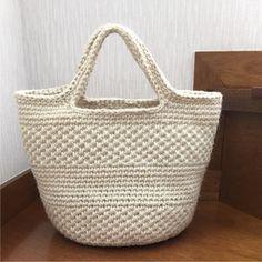 Crochet Clutch, Crochet Handbags, Crochet Purses, Fashion Over Fifty, Denim Bag, Summer Bags, Knitted Bags, Diy Crochet, Clutch Purse