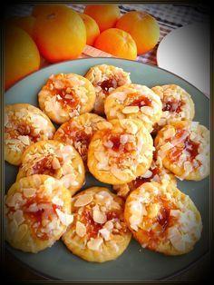 """{Από σήμερα στα πράγματα που αγαπώ, θα είναι και αυτά τα μπισκότα! Η λέξη """"νηστίσιμα"""" με τη λέξη """"κόλαση"""" αν το καλοσκεφτείς δεν πάνε μαζι..."""