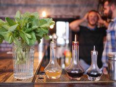 Les accessoires indispensables du bar tender !  Au bar la Bonne Décision #apero #bar #Paris