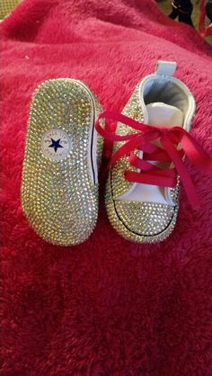 Customized converses #blingedoutconversesneakers #blingedoutconverses #blingconverse #babybling #babykeepsake #individualplaced #keishacustomdesigns  For order info please  MAIL me for details  Sugarhill1018@gmail.com