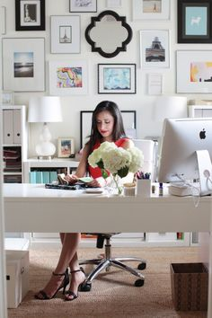 Woman at white theme desk #office, #gallery-wall, #artwork  Photography: Esther Sun