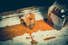 Schweizer Whiskey ist im Kommen: ein Ausflug in einige Zürcher Whiskey-Bars - http://ift.tt/1jpQKnd