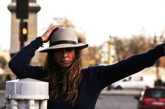 Παρίσι - Anna Vissi Live Anna, Actresses, Hat, Female Actresses