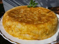 Luzmary y sus recetas caseras: TORTILLA DE PAPAS RELLENA DE QUESO EMMENTAL Y SALC... Omelet, Relleno, Cornbread, Main Dishes, Veggies, Pudding, Ethnic Recipes, Desserts, Food