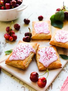 Homemade cherry pop tarts are easy hand pies with a buttery, flakey crust and a quick homemade jam filling from summer cherries Store bought can& begin to compare! Get this delicious recipe today and make it now before the fres Cherry Recipes, Tart Recipes, Dessert Recipes, Just Desserts, Delicious Desserts, Cherry Hand Pies, Buffet, Breakfast Recipes, Breakfast Dessert