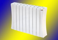 125,00€ · Emisor térmico ISIS 750 watios, 6 elementos · ÁCIL MANEJO  • Pantalla LCD de manejo cómodo e intuitivo.  • Visualización de la temperatura ambiente y seleccionada.  BAJO CONSUMO  • Cronotermostato digital programable diaria  y semanalmente.  • Rápida y uniforme distribución del calor así como  un mantenimiento prolongado del mismo en toda  la superficie del radiador, gracias a su fluido caloportador  de baja viscosidad y alta conductividad térmica.  GRAN CONFORT  • Perfecta…