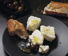 Nothing compares to the fresh taste of homemade feta. Traditionally made with sheep's milk, this Greek cheese is equally delicious when made from store-bought cow's milk. Homemade Cheese, Homemade Yogurt, Homemade Recipe, Feta Cheese Recipes, Greek Cheese, How To Make Cheese, Making Cheese, Easy Cheese, Tasty