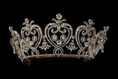 Manchester Tiara, France (1903; made by Cartier; diamonds, paste stones, gold, silver). © Victoria and Albert Museum, London.