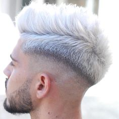Popular Haircuts For Short Hair Men Dyed White Hair, White Hair Men, Silver Hair Men, Dyed Hair Men, Short Bleached Hair, Short Wavy Hair, Popular Haircuts, Haircuts For Men, Medium Hair Styles