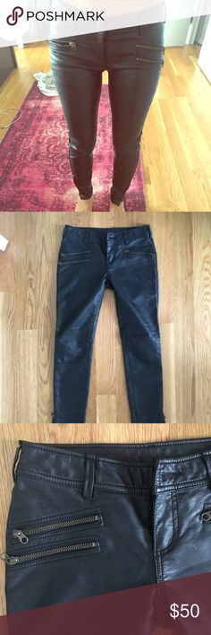 Free People Vegan Leather Pants size 0 Beautiful vegan leather pants. Style with a t shirt, sweater and booties for a cool casual look. Size 0 Free People Pants Skinny