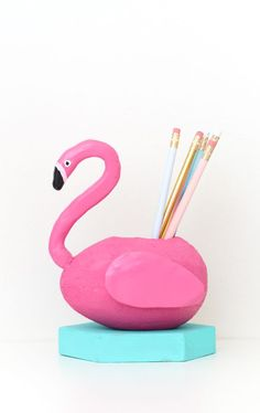 A Pink Flamingo Pool Float Pencil Cup Flamingo Party, Flamingo Pool, Pink Flamingos, Flamingo Float, Cute Diy Projects, Crafty Projects, Easy Crafts, Diy And Crafts, Cool School Supplies