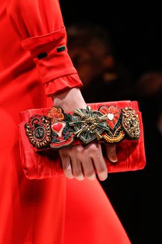 Moschino  AUTUMN/WINTER 2013-14  READY-TO-WEAR CLOSE UP