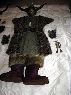 I got hired through Etsy Alchemy to create costumes of characters in the movie How to Train your Dragon. It was a lot of fun but a real gri. Viking Halloween Costume, Vikings Halloween, Homemade Halloween Costumes, Fall Halloween, Cosplay Costumes, Funny Costumes, Medieval Fantasy, How To Train Your Dragon, Cool Kids