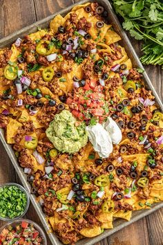This is the Ultimate Nacho Recipe! Crispy chips with melted cheese, ground beef, refried beans, and all of your favorite toppings. The post Ultimate N. Mexican Food Recipes, Beef Recipes, Cooking Recipes, Recipes With Refried Beans, Quick Food Recipes, Pepper Recipes, Skillet Recipes, Cooking Tools, Quick Meals