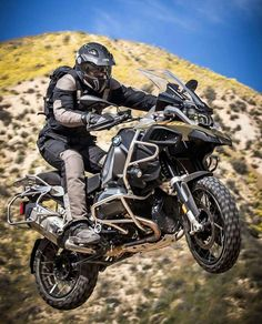 participated as a journalist in the 2016 in South East Asia. It seems his adventerous life has continued! Bmw Adventure Bike, Gs 1200 Adventure, Street Motorcycles, Cars And Motorcycles, Gs 1200 Bmw, Trail Motorcycle, Foto Picture, Bmw Motorbikes, Bike Bmw