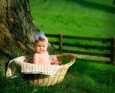 6 month baby picture ideas yes, yes, yes! At the farm!