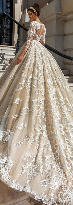 Glamorous Tulle & Taffeta Ball Gown Wedding Dresses With Beaded Lace Appliques