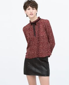 PRINTED FRILLY BLOUSE WITH VELVET BOW