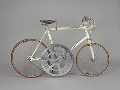 Jose Meiffret's 130 tooth chainring - 19 July 1962 - 186 kilometers per hour machine. Set on the autobahn near Friedburg Germany.