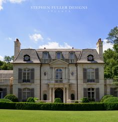 Traditional Exterior Photos French Provincial Design, Pictures, Remodel, Decor and Ideas - page 123 Classic House Exterior, French Exterior, Traditional Exterior, Traditional House, Beautiful Buildings, Beautiful Homes, Exterior Shutter Colors, French Provincial Home, Country Home Exteriors
