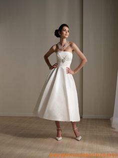 schlichtes Brautkleid  aus Satin A-Linie