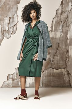 e5fa9d0a41 Lightweight cotton-satin crossover dress with sewn-in sash to tie in a bow,  V-neck, short kimono sleeves. Marina Rinaldi