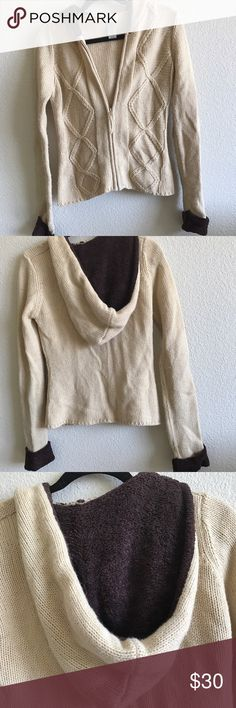 Urban Outfitters Comfy Zipper Sweater Fits more like a small. Zip up warm sweater. Has some pilling.                                                    Fast shipper⭐️⭐️⭐️⭐️⭐️⭐️ Urban Outfitters Sweaters