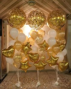 100 Exciting New Year's Eve Party Ideas to Start off the New Decade with a Bang - Hike n Dip Golden Birthday, 50th Birthday Party, Birthday Balloons, Birthday Party Decorations, Nye Party, Gold Party, Best Birthday Surprises, Gatsby Themed Party, Gold Balloons