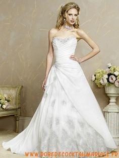Belle robe de mariée mariée sans bretelle longue avec traîne ornée dappliques satin