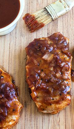 skinny baked bbq pork chops recipe serves 4 low fat low calorie low carb and cooks in 30 minutes view of pre baked pork chops - 9 WW Points Skinny Recipes, Easy Healthy Recipes, Great Recipes, Vegetarian Recipes, Cooking Recipes, Man Food, Bbq Pork, Pork Chop Recipes, Healthy Eating