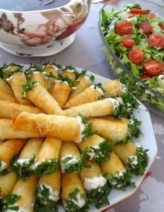 Would You Like to Know Exactly What to Eat to Lose Fat and Get Healthy Without Giving Up Your Favorite Foods or Starving Yourself? Turkish Recipes, Ethnic Recipes, Good Food, Yummy Food, Daily Meals, Food Presentation, Finger Foods, Food And Drink, Appetizers
