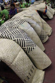 Flax Weaving, Modern Flower Arrangements, South Pacific, Fiji, Surface Pattern, Craft Ideas, Traditional, Island, Bar