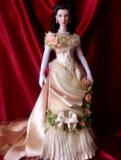 About Vivien Leigh: Victorian dress