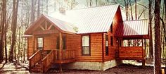 Luxury fully stocked couples cabin in a quiet corner of timber creek trails