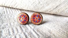 Compass Earrings- Compass stud earrings- Old map- Vintage compass post earrings- World traveler on Etsy, $15.00