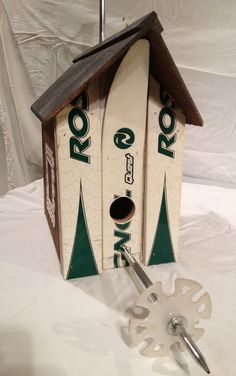 CUSTOM Ski Birdhouse Made in Vermont and handcrafted out of a Recycle X-Country Skis by frameitinskis on Etsy Fun Projects, Wood Projects, Ski Decor, Ski Lift, Ski Chalet, Country Furniture, Ski And Snowboard, Bird Houses, Decoration