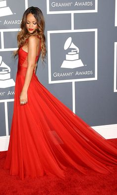 Rihanna looking amazeballs in Alaia At The Grammys, 2013 #red
