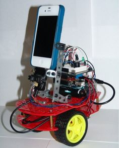 Robot controlled by iPhone through an Arduino board. Robotics Club, Learn Robotics, Robotics Engineering, Arduino Projects, Electronics Projects, Computer Robot, Robot Chassis, Ios Application Development, Iphone