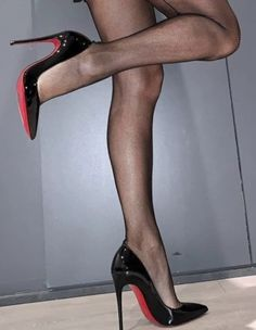 Sexy Legs And Heels, Hot Heels, Sexy High Heels, High Heels Stilettos, Stiletto Heels, Nylons And Pantyhose, Nylons Heels, Talons Sexy, Stockings Legs