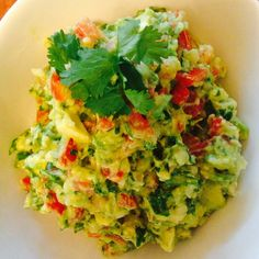 Best ever guocamole Vegan Breakfast Recipes, Delicious Vegan Recipes, Healthy Recipes, Healthy Tips, Mexican Food Recipes, Whole Food Recipes, Great Recipes, Ethnic Recipes, Clean Eating Recipes