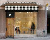 SIS. DELI+CAFÉ for a good cup of coffee or a sandwich  3 locations:  * Kalevankatu 4  * Korkeavuorenkatu 6  * Albertinkatu 32