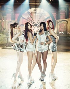 2013 // sistar - Give it to me & Crying