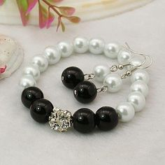 Fashion Glass Pearl Jewelry Sets: Earrings and Stretchy Bracelets, with Brass Rhinestone Beads and Brass Earring Hooks, Black, Bracelets: about 55mm inner diameter, Earrings: about 50mm long