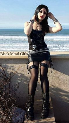 Speaking, opinion, Hot metal chicks topless