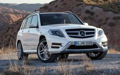 Although my 2004 Mountaineer is in great shape and only has 65,000 miles, I've started to think about its replacement.  Hmmm...could this be it?  The 2013 Mercedes GLK-350.