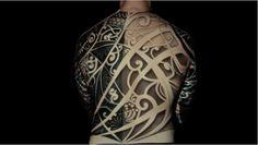 http://thecreatorsproject.vice.com/es/blog/el-mapeo-de-tinta-transforma-tatuajes-en-imagenes-en-movimiento?utm_source=tcpfbes